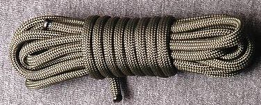 220px-Paracord-Commercial-Type-III-Coilparacord